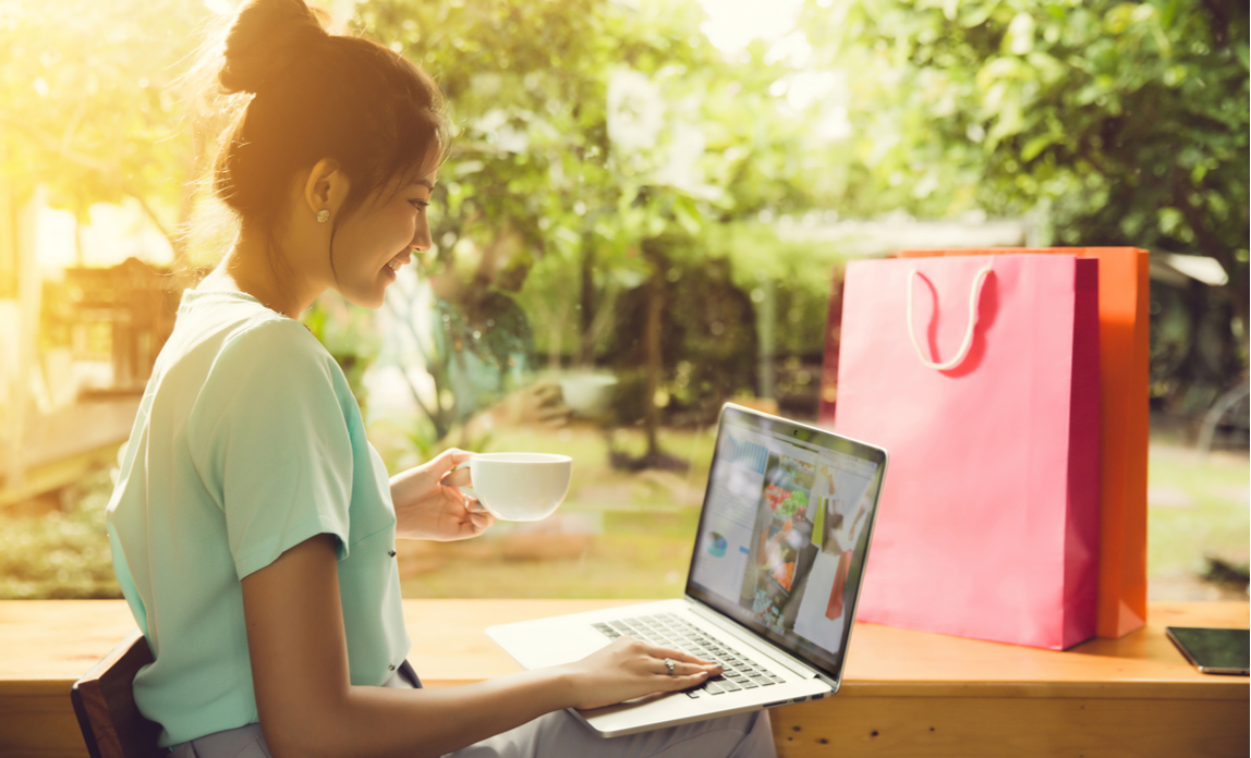 Brits turn to online shopping during heatwave