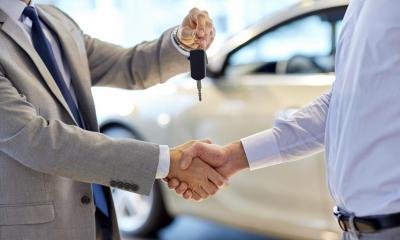 A used car dealership sells secondhand cars